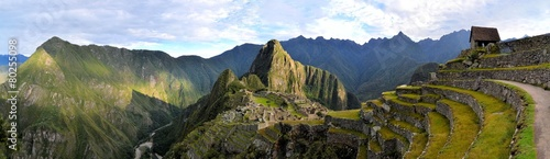 Leinwanddruck Bild Panorama of Machu Picchu, lost Inca city in the Andes, Peru