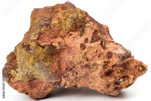 Les Baux-de-Provence Bauxit isoliert auf weißem Hintergrund - 80257035