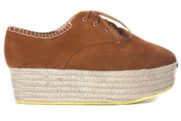 Zapato marrón perfil