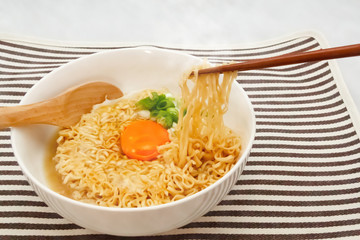 Instant noodle with egg on top