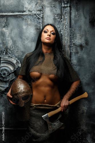 Leinwandbild Motiv Beautiful female in ancient armor