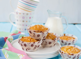 """Muffins """"Pina Colada"""" with pineapple and coconut"""