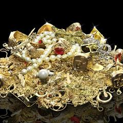 Gold, Juwelen und Edelsteine