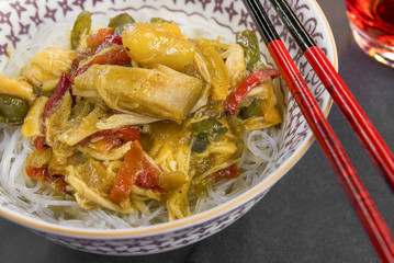 Glass noodles with vegetables and chicken