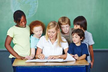 Teacher explaining grading to students