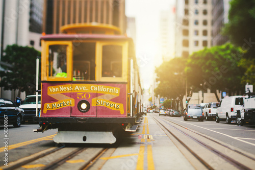 Foto op Plexiglas Amerikaanse Plekken San Francisco Cable Car in California Street