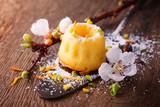 Mini Guglhupf mit Ricotta, Orange, Marzipan, Pistazie