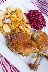 Duck confit with beetroots and jerusalem artichokes fries