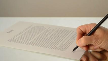 Vertrag unterschreiben erste Unterschrift englisch
