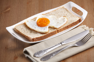 love shape fried egg