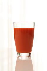 窓辺~トマトジュース