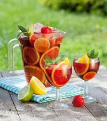 Refreshing fruit sangria (punch)