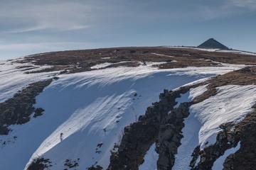 alpiniste sur la paroi