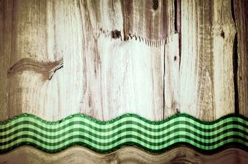 Holztafel mit Band, im Bogen, altmodisch, rustikal
