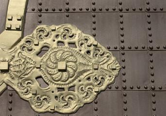 Metal door and decoration