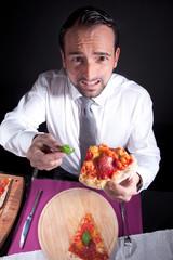 Mann wollte Pizza ohne Basilikum und beschwert sich