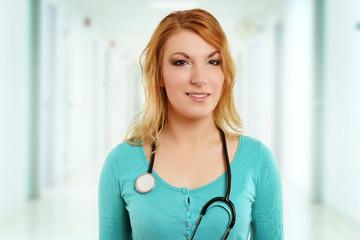 junge Krankenschwester