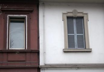 Due vecchie finestre a Milano (2015)