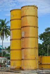 Bentonite and water silo