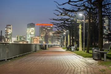 Weg bei Nacht