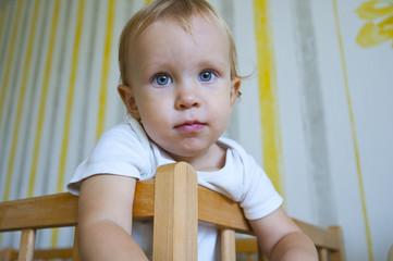 Ребенок с голубыми глазами