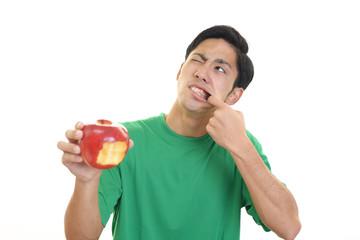 歯痛を訴える男性