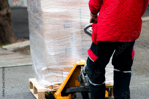 Carrier moving boxes using a fork lift