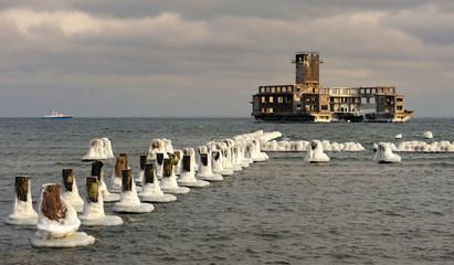 Morze Bałtyckie , kra lodowa zalega morze, Polska