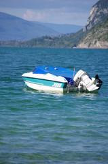 lac du bourget - bateau amarré