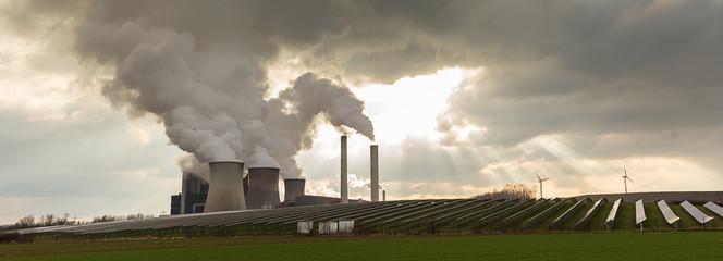 Kraftwerk - solarenergie - Windräder