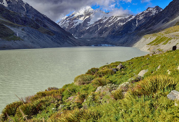 View over Hooker Lake, Mount Cook National Park - New Zealand