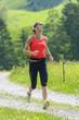 junge Frau beim Trail-Running