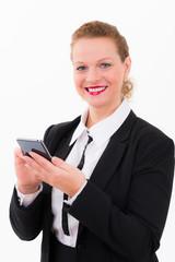 freundliche geschäftsfrau mit smartphone