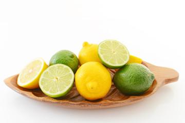 新鮮なライムとレモン