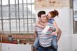 Leinwanddruck Bild - verliebtes paar hat spaß beim renovieren
