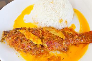 carri de poisson rouge sauce créole et gingembre