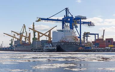 marine cargo port