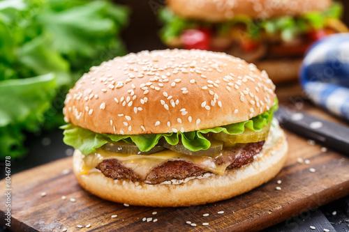Fotobehang Kruidenierswinkel Chicken burger