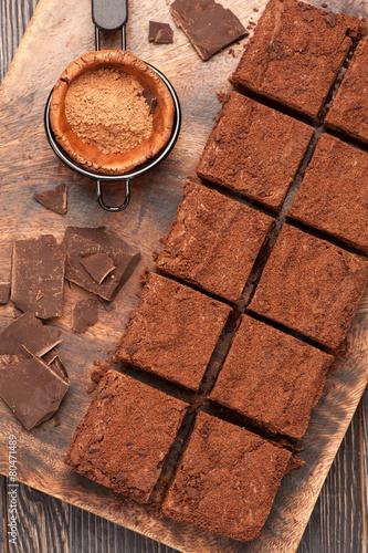 obraz PCV czekoladowe ciasteczka. widok z góry.