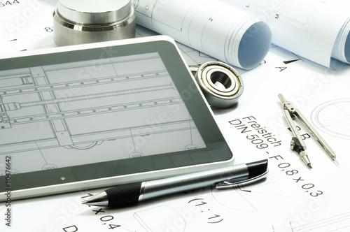 Konstruktionszeichnung - Tablet-pc- Symbolfoto - 80476642