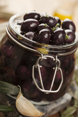 black kalamata olives