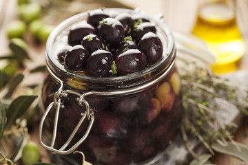 black kalamata olives