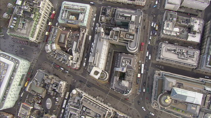 Aerial view of buildings and traffic in the city of London
