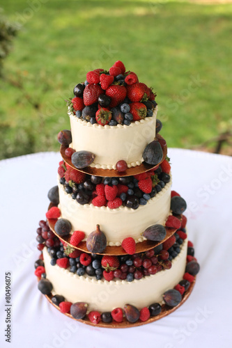 Fototapeta Wedding Cake with Berries