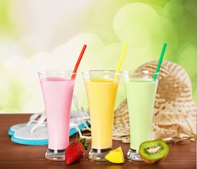 6474. Strawberry, mango and kiwi soft drink, smoothie, and