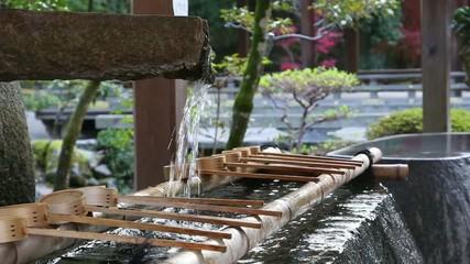 京都・上賀茂神社の手水舎