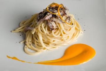 spaghetti with mushrooms speck and orange