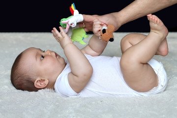 Baby play with finger theater