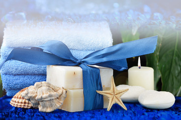 sapone e bolle di sapone igiene bagno