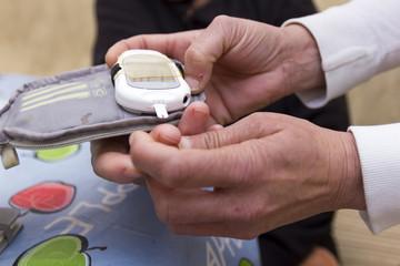 Control de azúcar en sangre. Servicio social a domicilio.